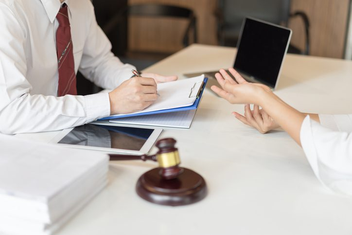 Burnette & Payne Attorneys at Law | Rock Hill, SC | consultation between lawyer and business person